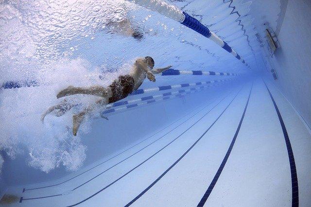 Est-ce que la natation présente des dangers?
